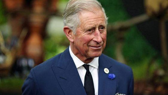Принц Чарльз рекомендовал медикам применять терапевтическую йогу